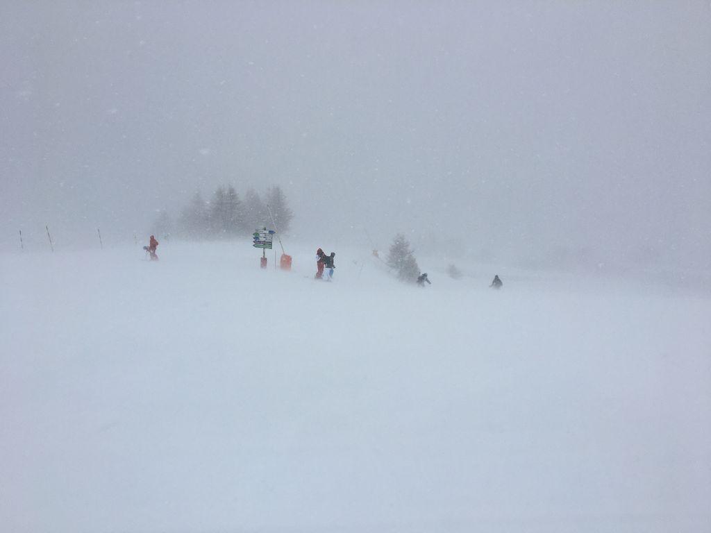 https://cdn.wintersport.nl/forum/26/29f7d957eed76b7d6c33d4af...