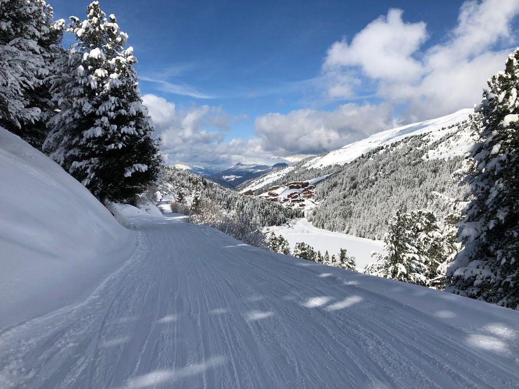https://cdn.wintersport.nl/forum/26/70dcfa496d39f0f3c09e1349...