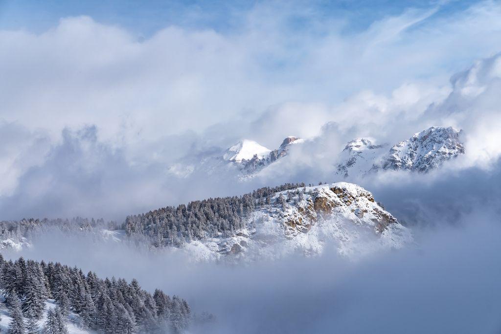 besneeuwd alpenlandschap