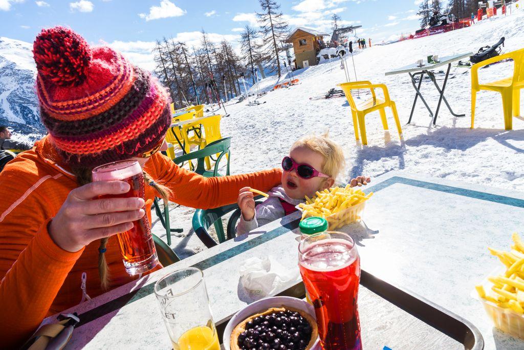 Dé tips voor een stressvrije wintersport met kinderen