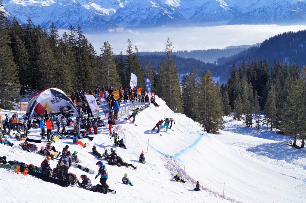 Snowboardcross wedstrijden zijn een belevenis!