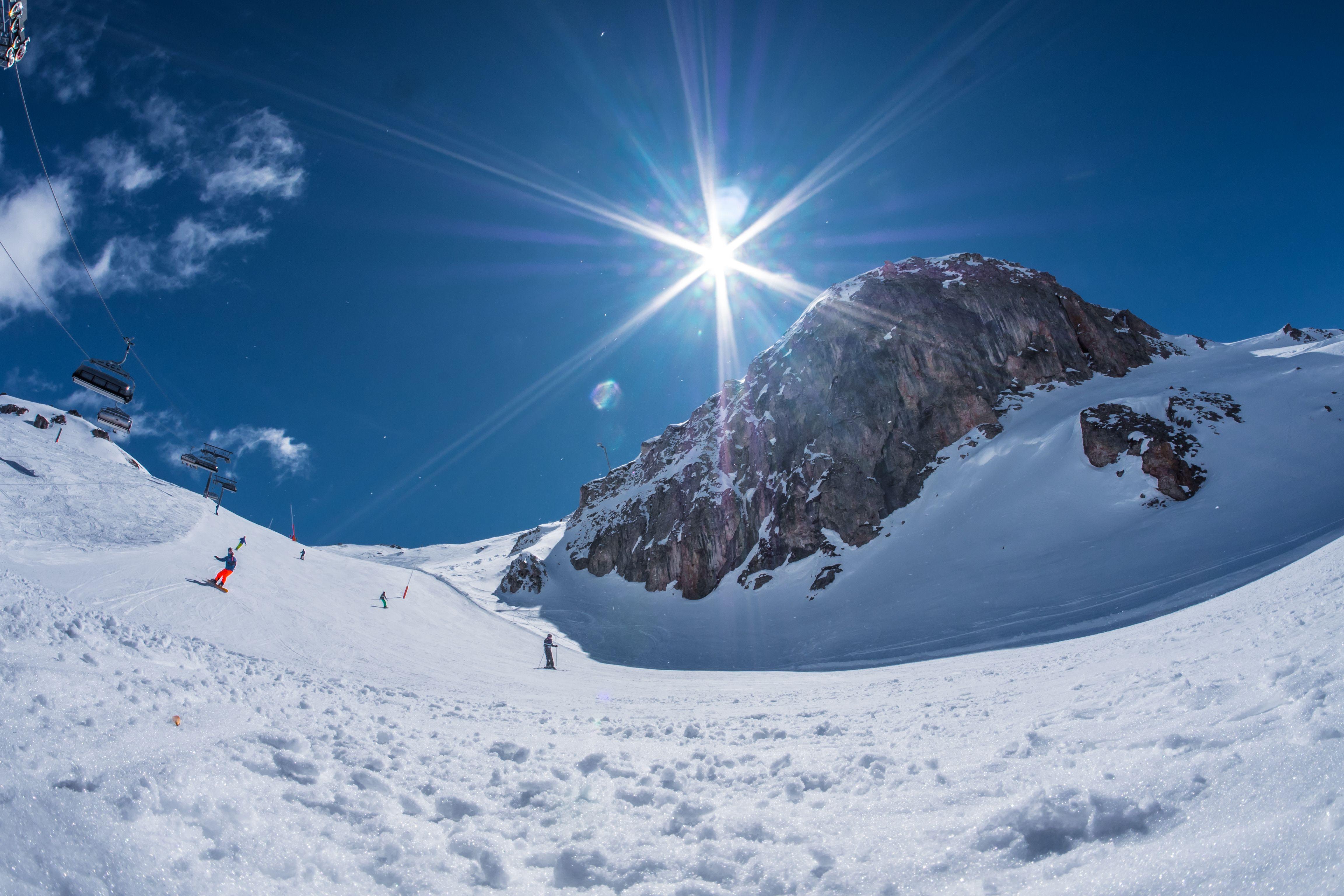 Welke skigebieden blijven nog tot Pasen en later open?