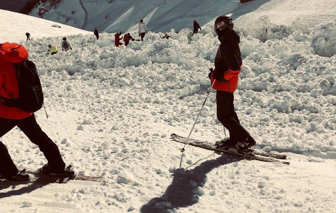 Lawine over piste Crans Montana: pisteur overleden