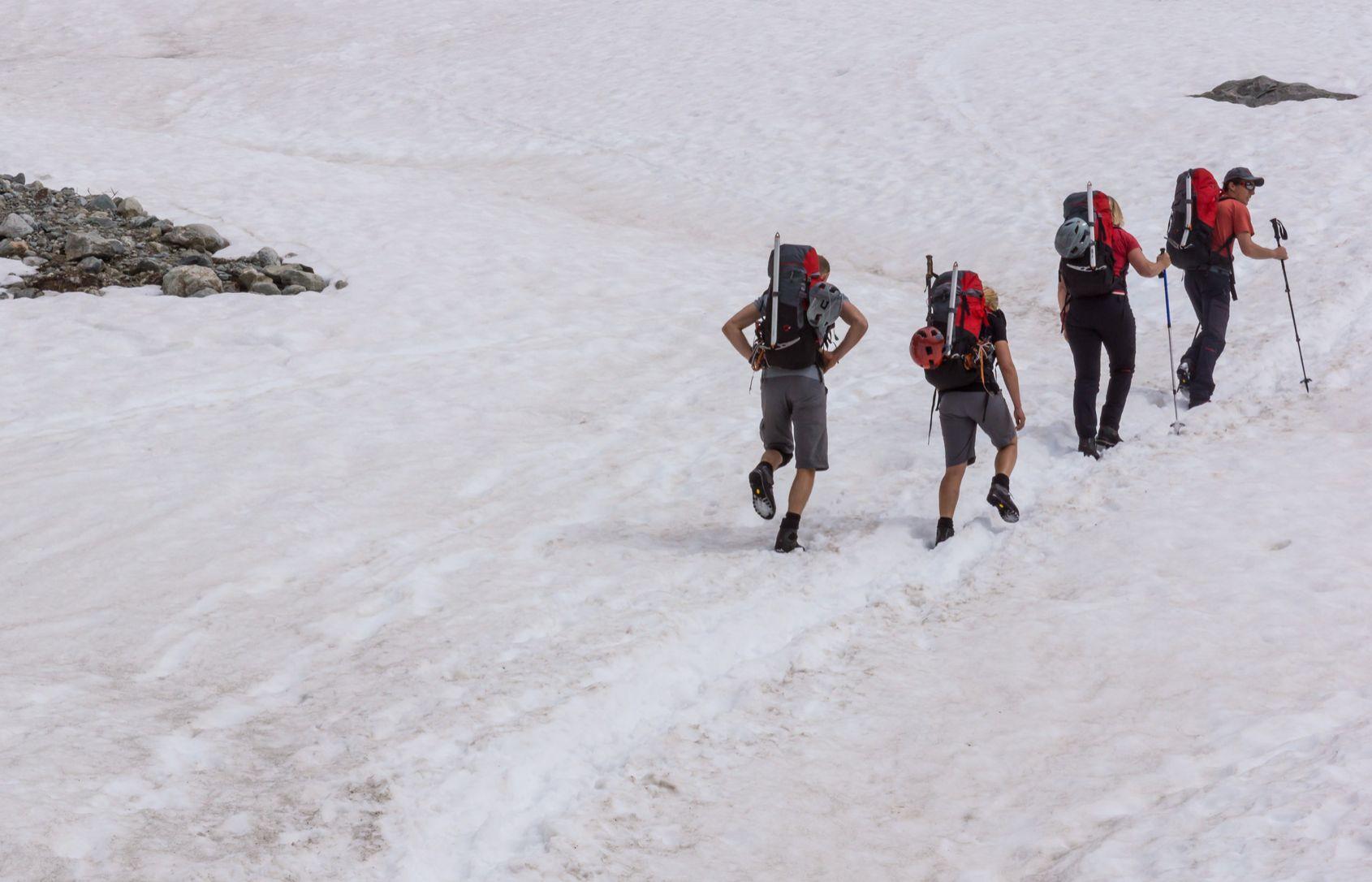 Wandelaars let op: nog veel sneeuw in de Alpen