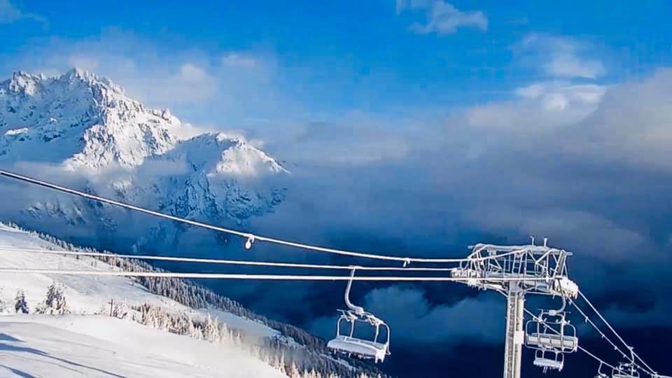 Live: dik pak sneeuw voor gehele Alpen!