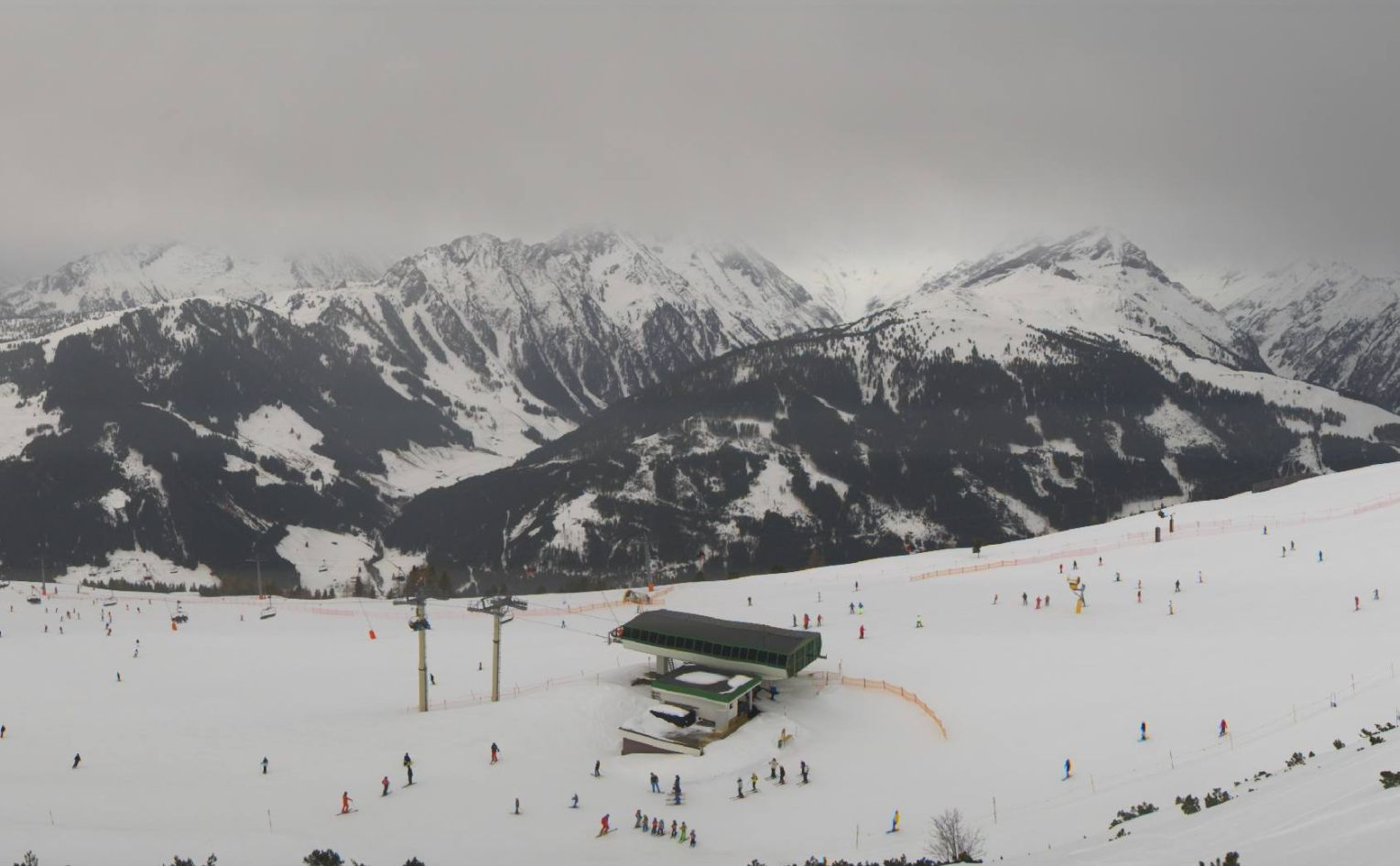 Veel sneeuw, later mogelijk ook voor Italië
